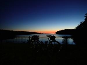多摩湖夜明け