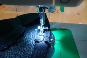 縫い始める