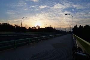 新秋川橋夜明け