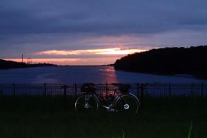 多摩湖夜明けだよ